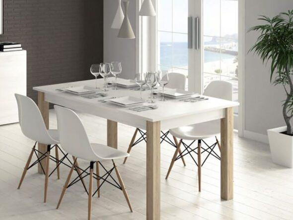 Mesa de comedor Ramis en color natural y blanco