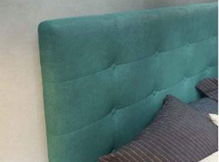 Cabezal tapizado en verde agave